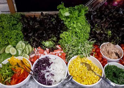 Salatbar knackig frisch