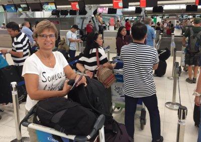 Warten auf den Flug in Bangkok