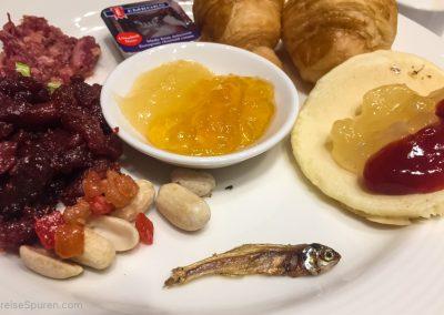 Frühstück mit Fisch