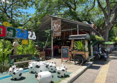 Café am Fluss